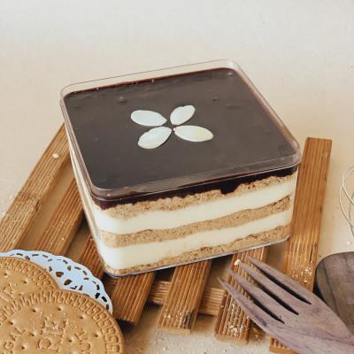 Eclair Dessert Box